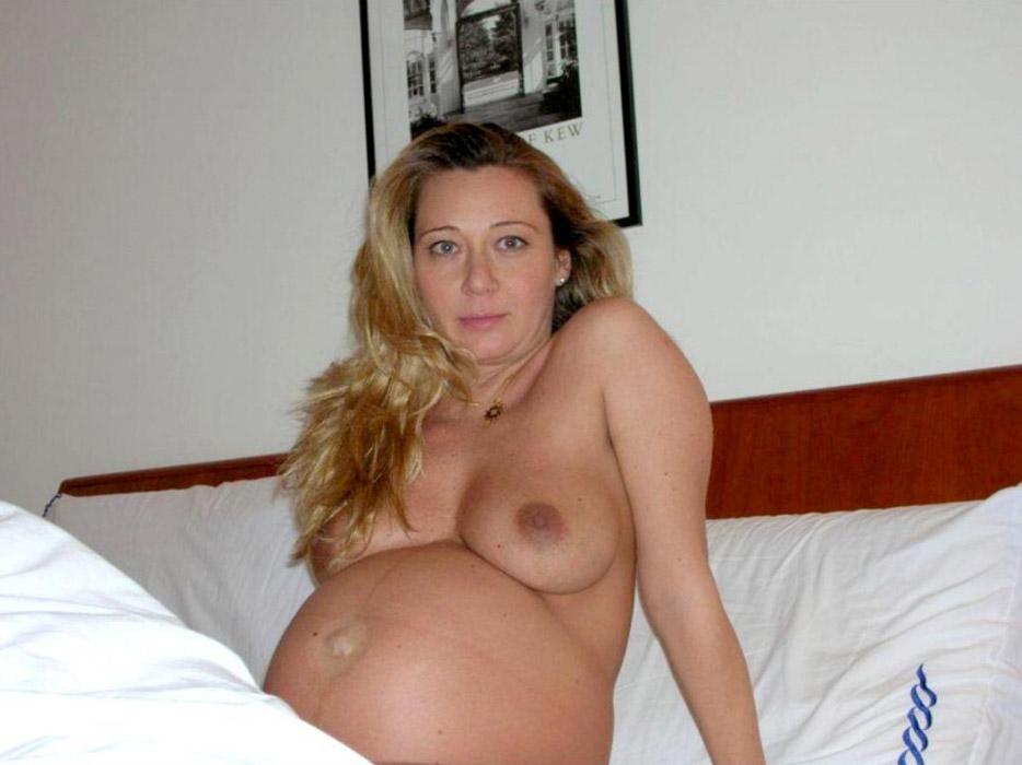 une femme enceinte sexe