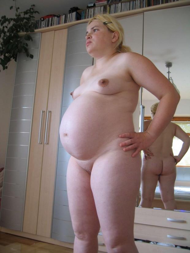 une amatrice grosse est enceinte