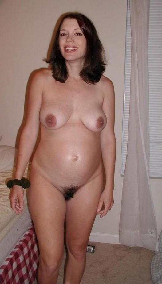 une jeune femme enceinte sexe