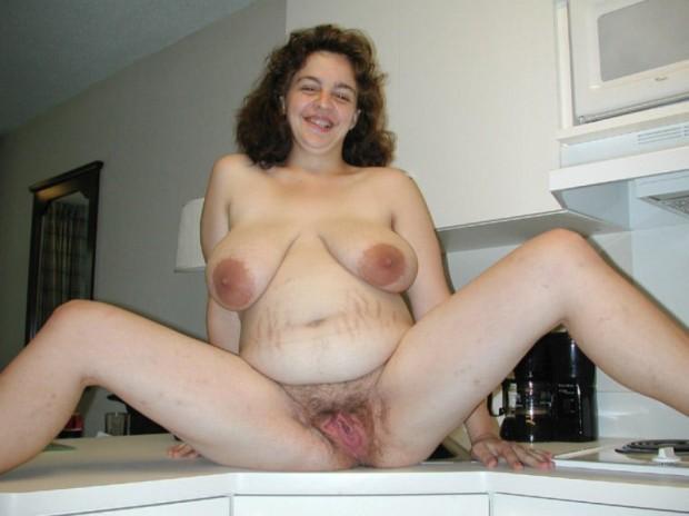 le sexe ouvert d'une femme enceinte