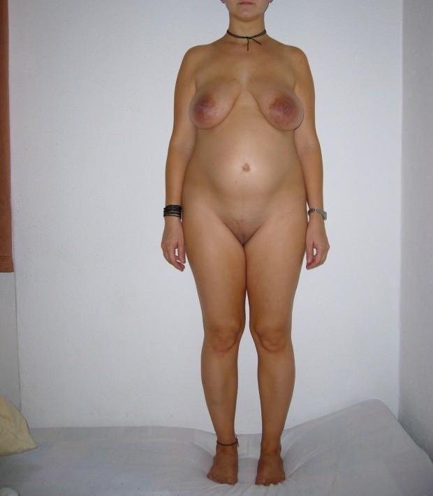 Femme enceinte nue