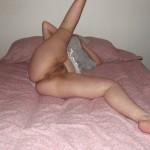 amatrice enceinte écarte les cuisses